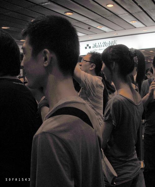 謝錦桂毓。做自己是最深刻的反叛。誠品敦南發表會。99.8.14-2