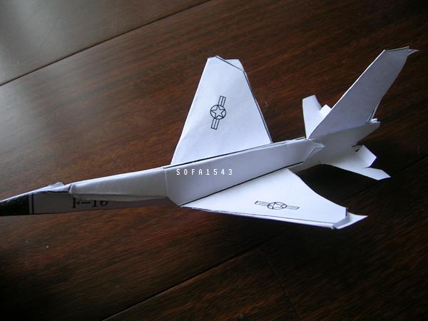 卓志賢.紙飛機工廠.F-16