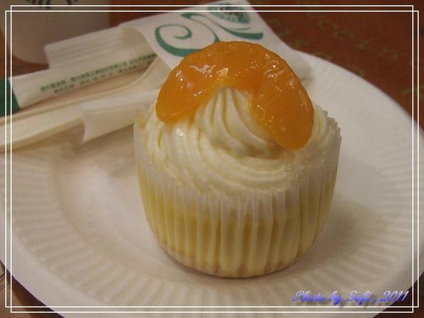 星巴克-橘瓣起司杯子蛋糕.jpg
