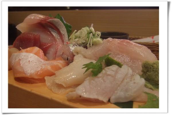 20080712 丸壽司-綜合生魚片-2.jpg
