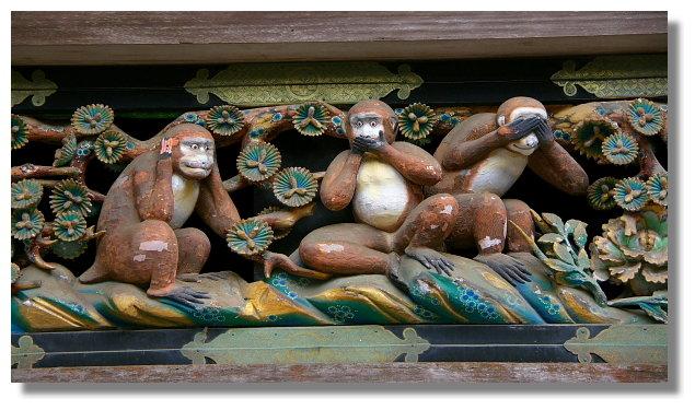 日光東照宮神廄舍上的猴子雕刻