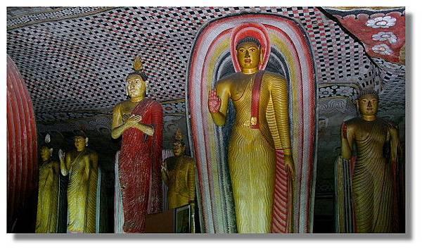 丹布拉石窟廟(Dambulla Cave Temples)