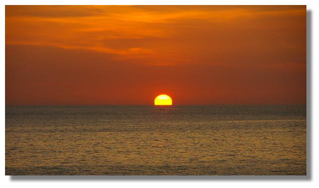 普吉島巴東海灘日落