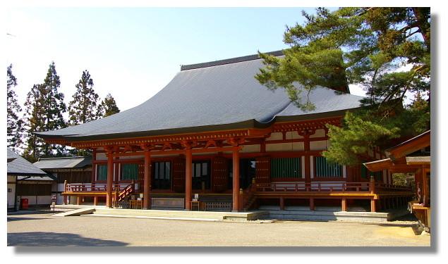 平泉毛越寺本堂