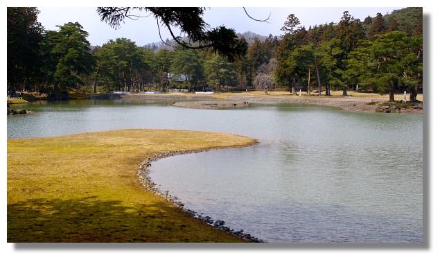 平泉毛越寺大泉が池(州浜)