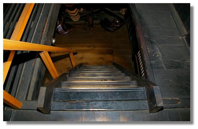 白川鄉合掌屋內部樓梯