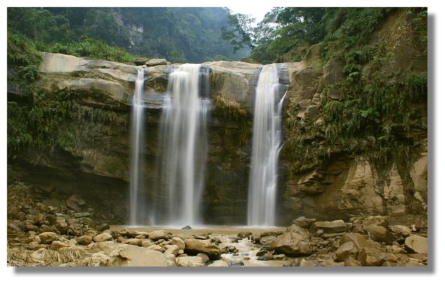 南投竹山天梯旁的青龍瀑布