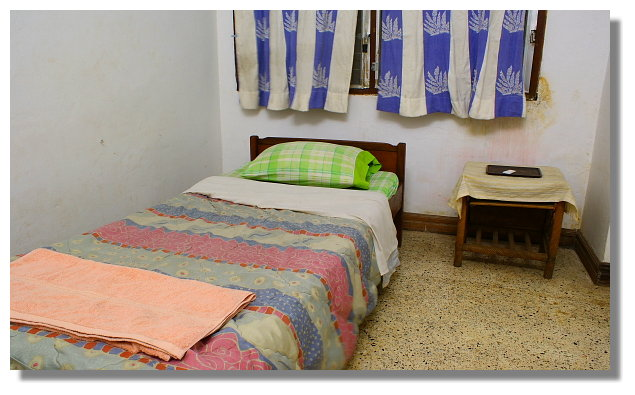 我在寮國永珍所住的民宿房間