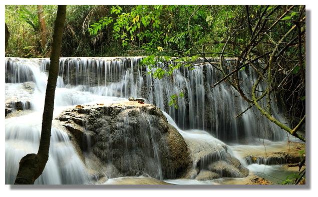 Kuang-Si 瀑布