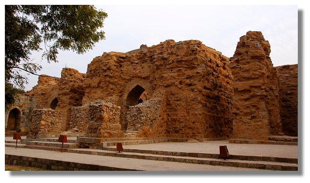 古德卜尖塔(Qutb Minar)