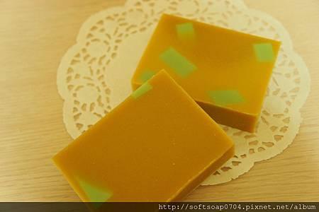 20121031 暖暖月子皂