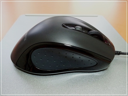 GIGABYTE-m6800滑鼠開箱文-P05.jpg
