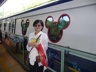 迪士尼列車1.JPG