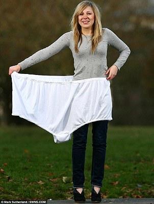 世界最大內褲 15個XL - 世界最大內褲亮相 15個XL(1).jpg