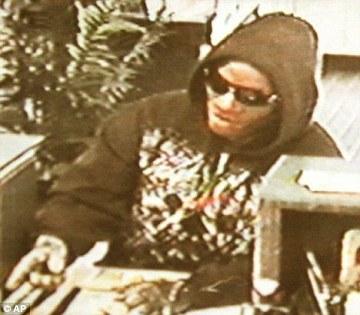 白人戴黑人面具搶劫 - 白人戴黑人面具搶劫 美國3.jpg