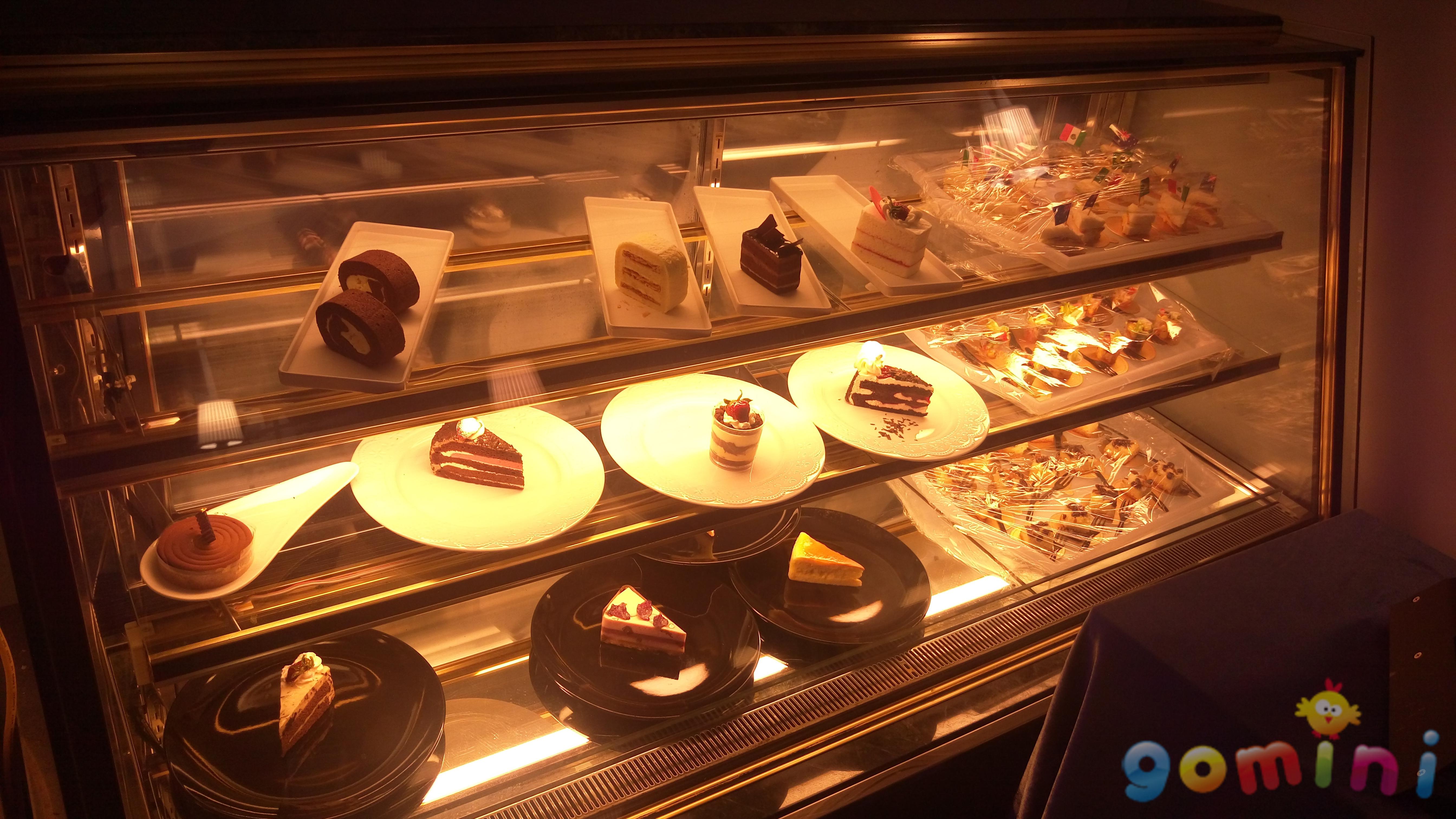 智慧餐廳甜點區.jpg