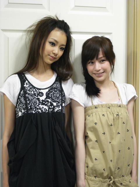 右邊女孩就是女主角心凌.jpg