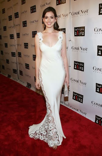 anne-hathaway-black-ball-28.jpg
