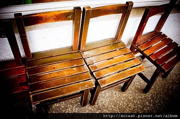 德佈咖啡 國小課桌椅