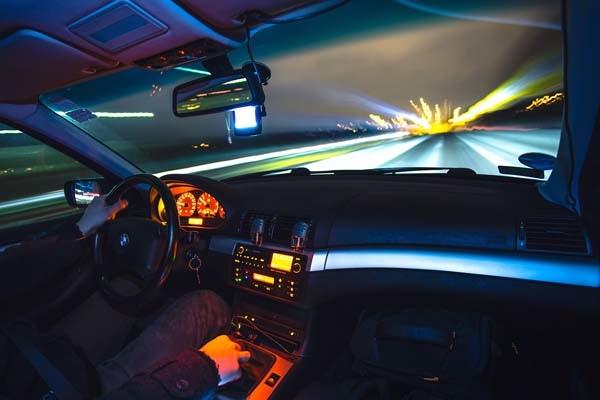 汽車前擋玻璃清潔,讓愛車玻璃視線清晰過好年│SolarGard 舒熱佳頂級隔熱紙1