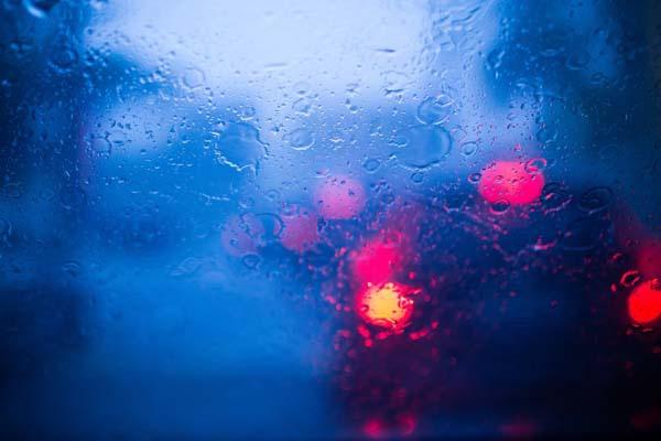 汽車前擋玻璃清潔,讓愛車玻璃視線清晰過好年│SolarGard 舒熱佳頂級隔熱紙2