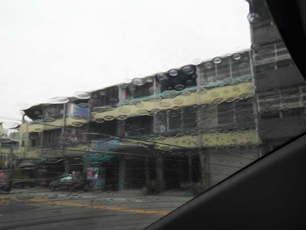 """車內溫度降溫,冷氣保養就靠""""國際頂級隔熱紙"""",開車不用再擦防曬乳4"""