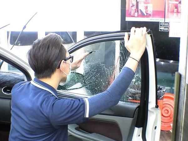 【台中舒熱佳開箱】汽車隔熱膜的強大無毒保證!攸關生命安全,也保住汽車冷媒荷包14