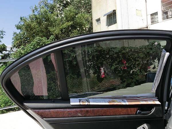 新竹國泰汽車大樓隔熱紙│褪下老舊褪色隔熱紙,舒熱佳鑽石LX賦予新面貌25