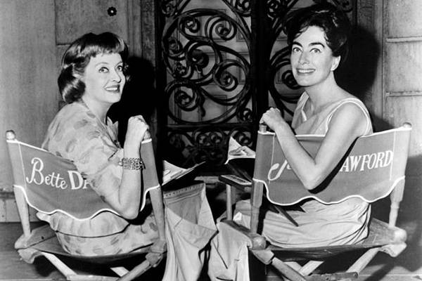 13-bette-davis-joan-crawford_w710_h473.jpg