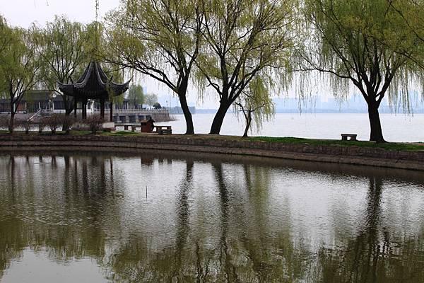 蘇州石湖公園水岸風光-買樓投資.jpg