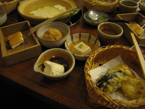 來京都一定得嚐嚐湯豆腐.JPG