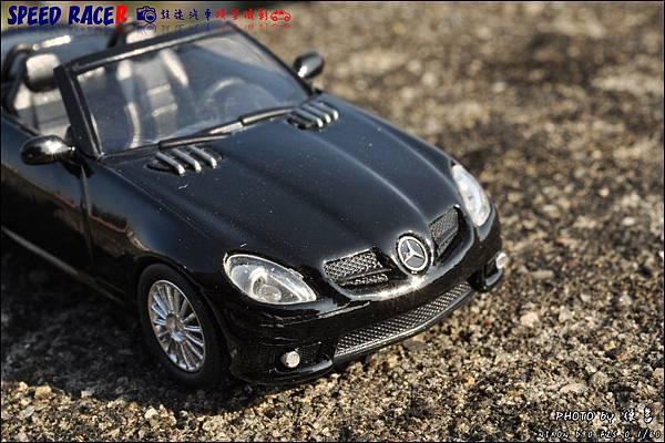 Benz SLK55 AMG by Kyosho 003.JPG