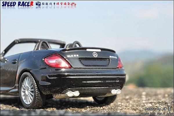 Benz SLK55 AMG by Kyosho 005.JPG