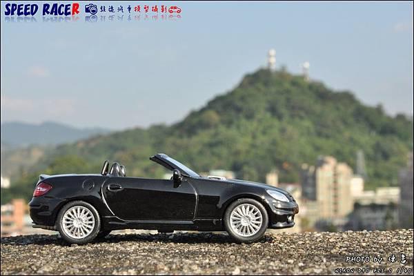 Benz SLK55 AMG by Kyosho 010.JPG