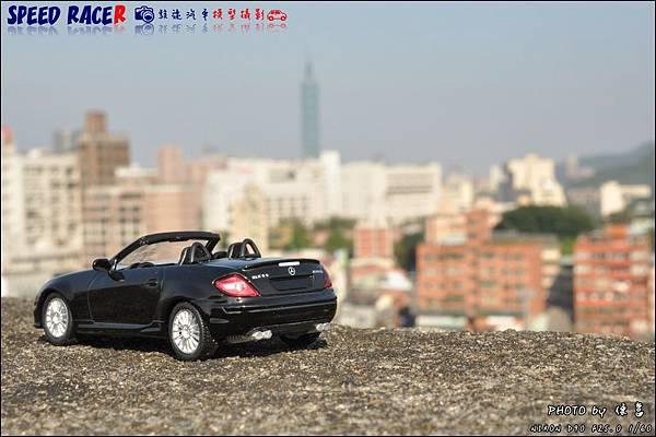Benz SLK55 AMG by Kyosho 012.JPG