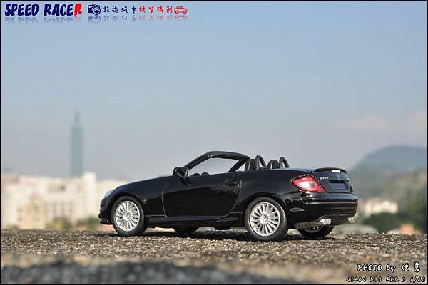 Benz SLK55 AMG by Kyosho 014.JPG