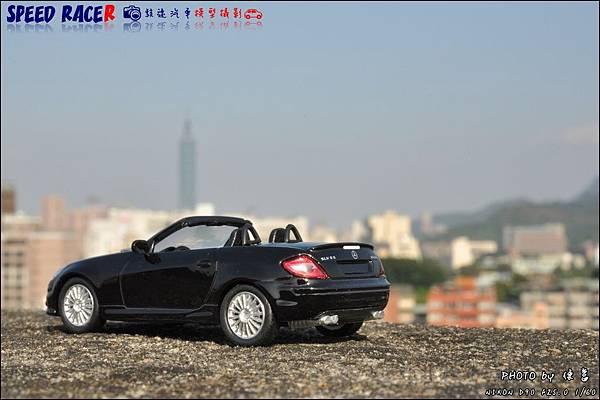 Benz SLK55 AMG by Kyosho 015.JPG