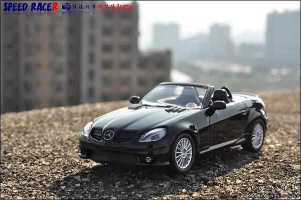 Benz SLK55 AMG by Kyosho 017.JPG