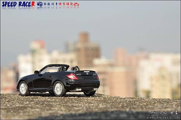 Benz SLK55 AMG by Kyosho 024.JPG