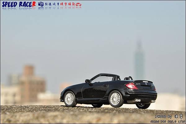 Benz SLK55 AMG by Kyosho 025.JPG