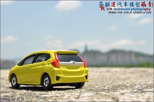 Honda Fit III by Tomica 018.JPG