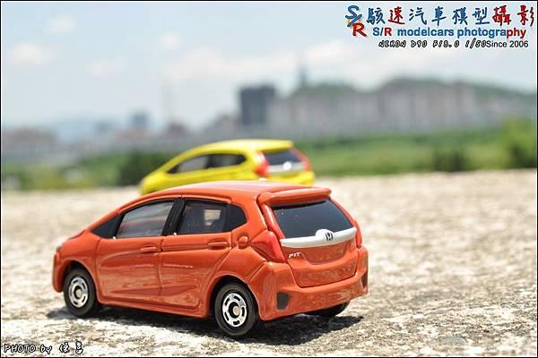 Honda Fit III by Tomica 023.JPG