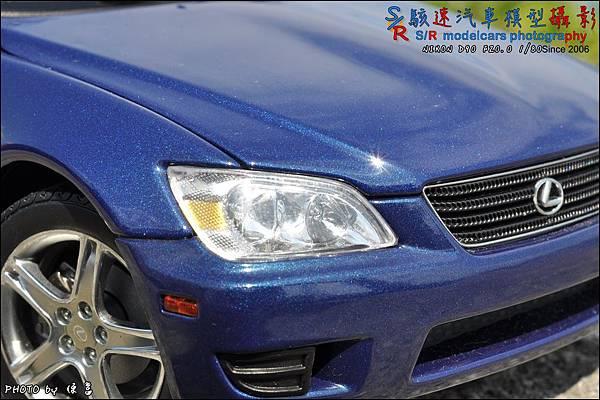 Lexus IS300 by Autoart 004.JPG