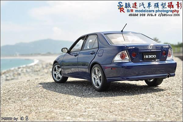 Lexus IS300 by Autoart 023.JPG