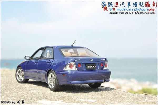 Lexus IS300 by Autoart 026.JPG