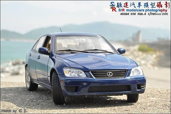 Lexus IS300 by Autoart 031.JPG