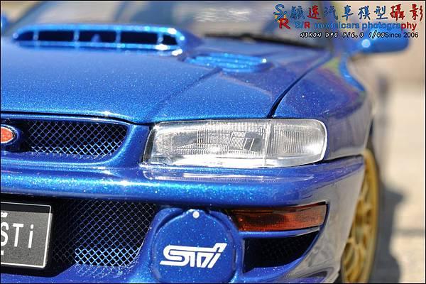 SUBARU IMPREZA 22B by Autoart 054.JPG