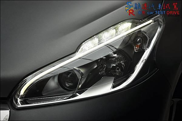 Peugeot 208 GT Line 011.JPG