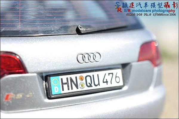 Audi RS4 by Minichamps 013.JPG