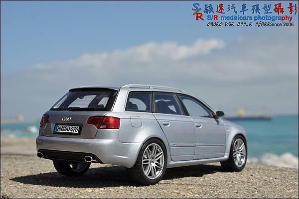 Audi RS4 by Minichamps 025.JPG